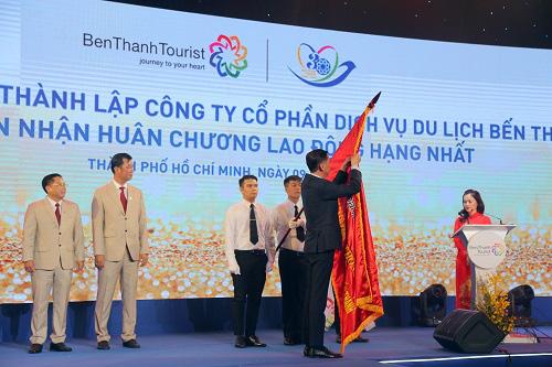 Kỷ niệm 30 năm thành lập Benthanh Tourist đón Huân chương Lao động hạng Nhất - Ảnh 2.