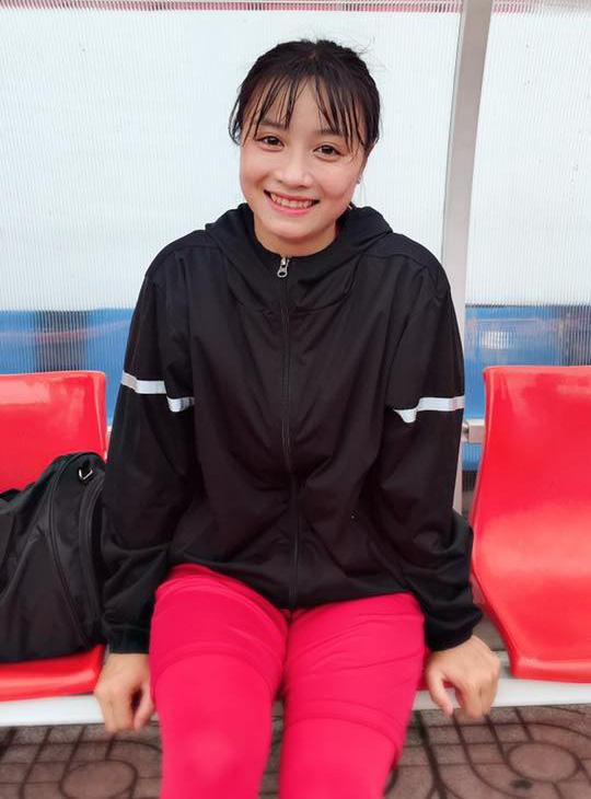 Điêu đứng với Hoàng Thị Loan - hoa khôi tuyển bóng đá nữ Việt Nam - Ảnh 1.