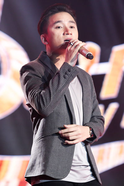 Tranh Giải Mai Vàng 2019: Nam ca sĩ - Kẻ tám lạng người nửa cân - Ảnh 2.