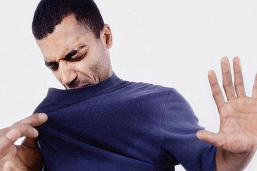 Cách giúp nam giới loại bỏ mùi cơ thể - Ảnh 1.