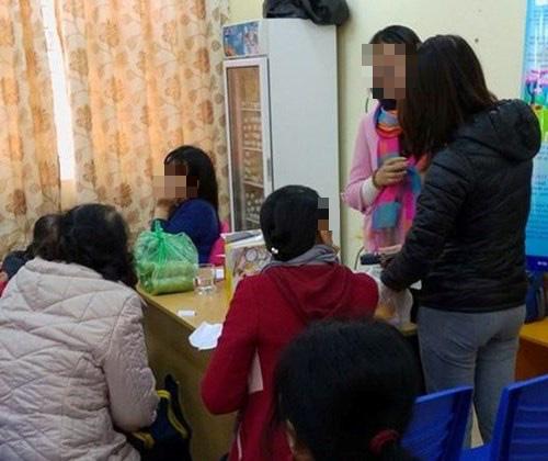 """Phụ nữ quê Hà Nội """"bí mật"""" khám cho 35 bệnh nhân tiểu đường ở Cà Mau - Ảnh 1."""