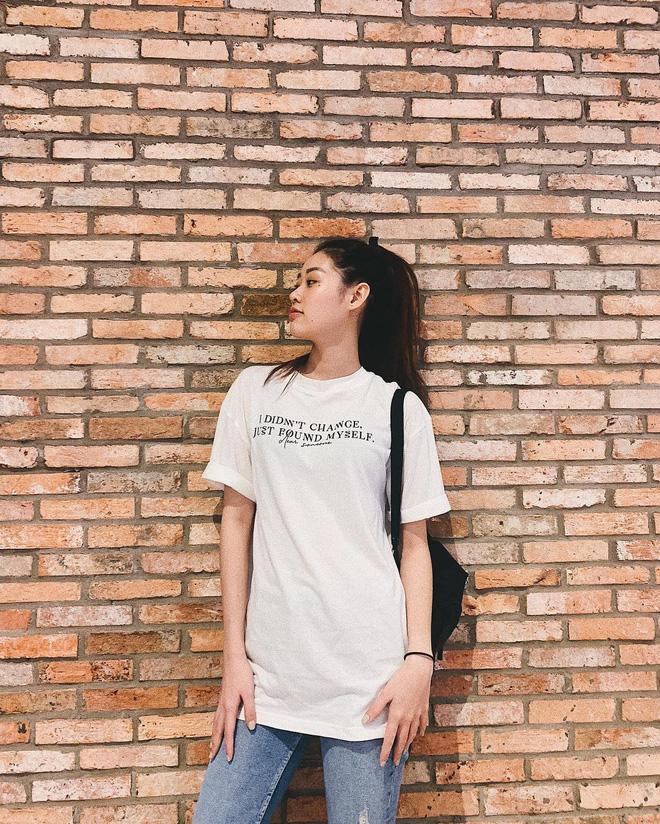 Không chỉ trên sân khấu, Nguyễn Trần Khánh Vân vẫn rất xinh đẹp ngoài đời  - Ảnh 16.