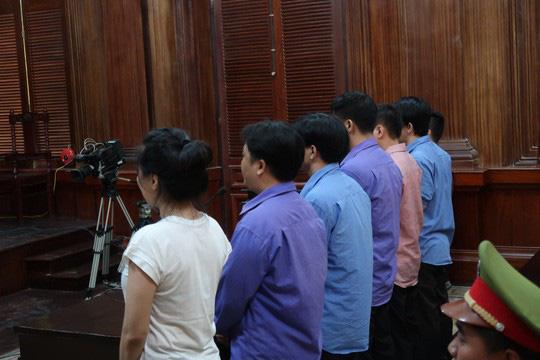 Ông Chiêm Quốc Thái yêu cầu dẫn giải bác sĩ Hoa Sen đến tòa - Ảnh 2.