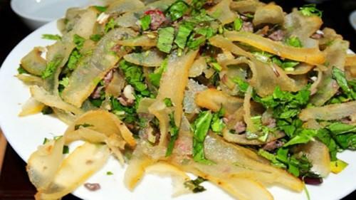 Đặc sản Sơn La: Da trâu muối chua níu chân du khách