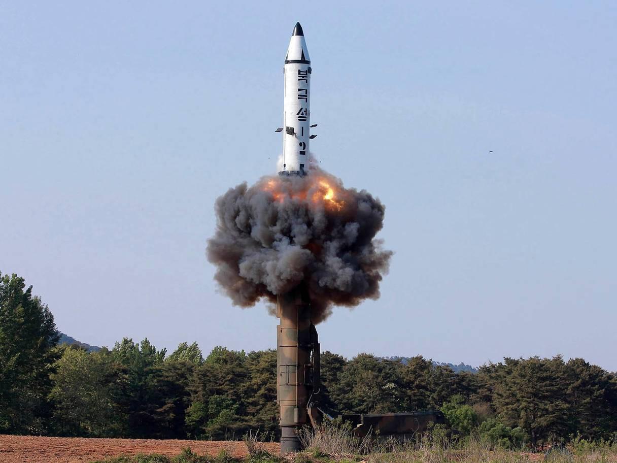 [eMagazine] Mỹ - Triều: Biến đổi bất ngờ dưới thời Tổng thống Donald Trump - Ảnh 4.