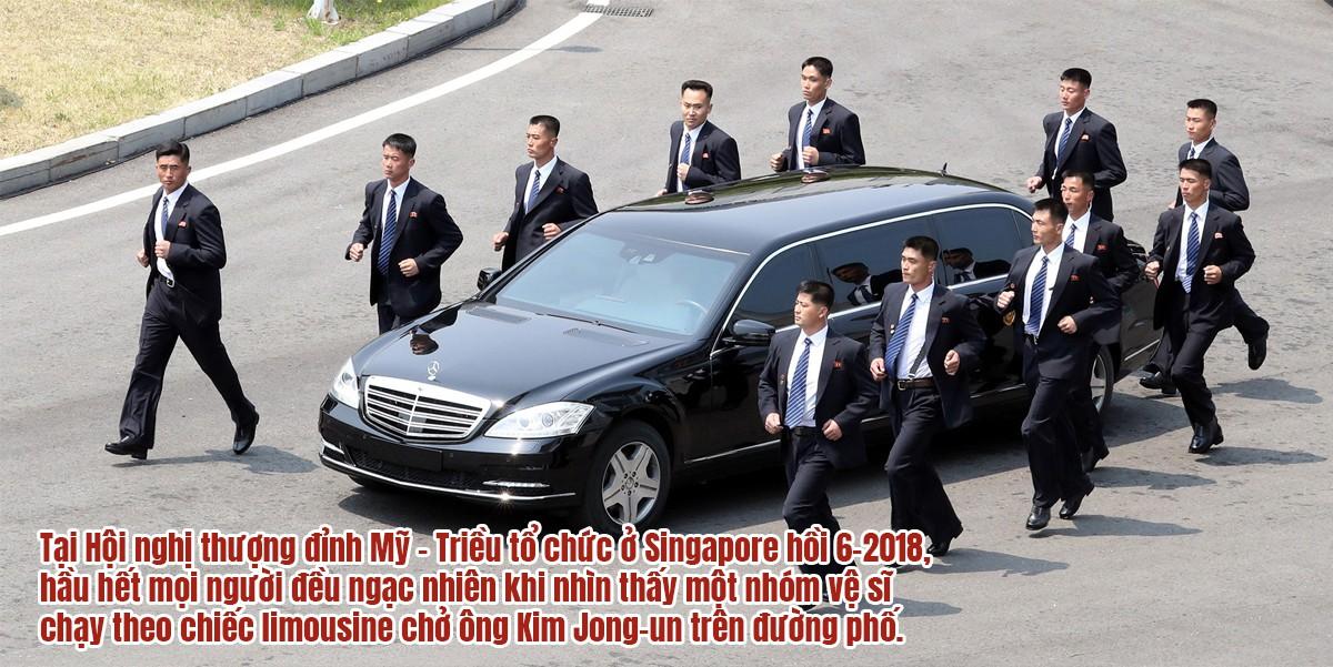 [eMagazine] Chủ tịch Triều Tiên Kim Jong-un và những vòng bảo vệ nghiêm ngặt - Ảnh 11.