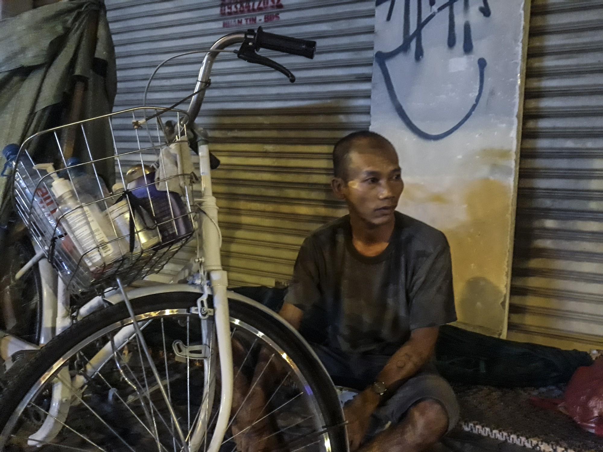 [eMagazine] - Sài Gòn dịp Tết và những mảnh đời vô gia cư - Ảnh 5.