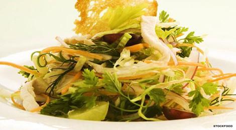 3 món salad thơm ngon lạ miệng cho thực đơn ngày Tết - Ảnh 1.