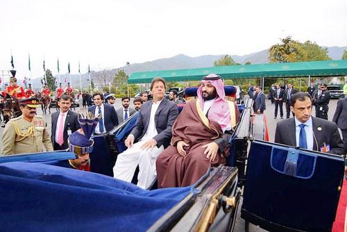 Chuyến công du đi dây của thái tử Ả Rập Saudi - Ảnh 1.