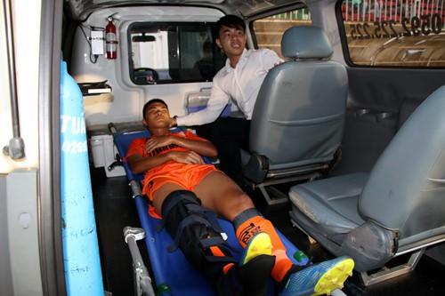 HLV lên tiếng về lý do cầu thủ U19 Đà Nẵng gãy chân khi đấu HAGL - ảnh 4