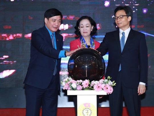 Tổng LĐLĐ Việt Nam chính thức khai trương hệ thống tư vấn pháp luật trực tuyến - Ảnh 1.