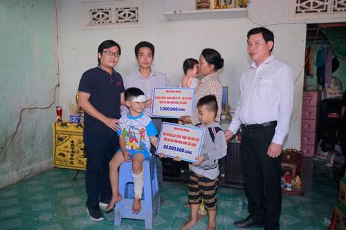 [eMagazine] - Cuộc sống 3 đứa trẻ có cha mẹ chết dưới bánh xe container đã đổi thay - Ảnh 11.