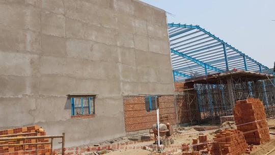 Vụ sập tường ở Vĩnh Long: Danh tính 6 người tử vong, 2 bị thương - Ảnh 4.