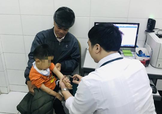 Vụ hàng trăm trẻ nghi ăn thịt bẩn ở Bắc Ninh: Phát hiện 62 cháu nhiễm sán lợn - Ảnh 1.