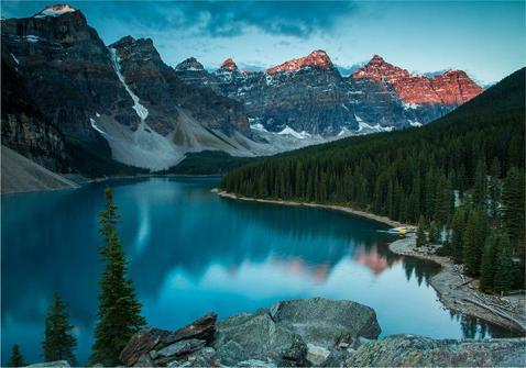 Vẻ đẹp siêu thực của hồ Moraine - Ảnh 2.