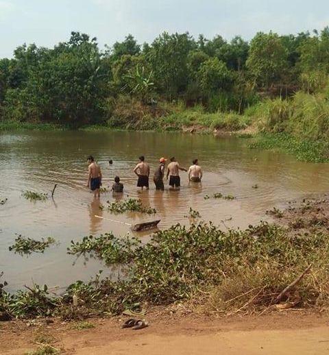 3 bà cháu đuối nước trong lúc đi mò cua, bắt ốc - Ảnh 1.