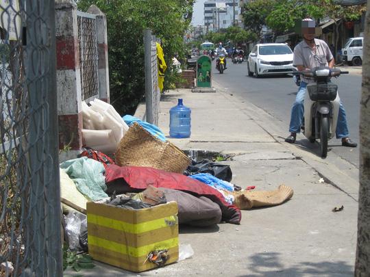 Cần bàn tay sắt và sự đồng lòng để dẹp nạn xả rác - Ảnh 2.