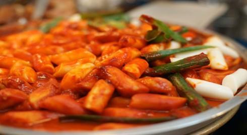 Khám phá ẩm thực tại ngôi chợ cổ nhất Seoul - Ảnh 3.