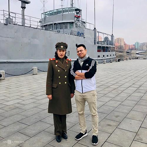 HDV Việt hú vía khi khách bị giữ lại kiểm tra ở Triều Tiên - Ảnh 1.