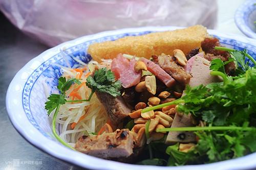 10 món ăn đường phố hấp dẫn ở Quy Nhơn - Ảnh 3.