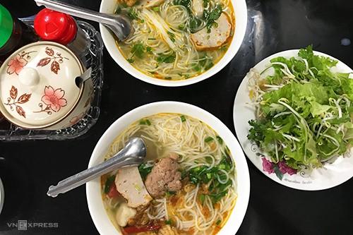 10 món ăn đường phố hấp dẫn ở Quy Nhơn - Ảnh 7.