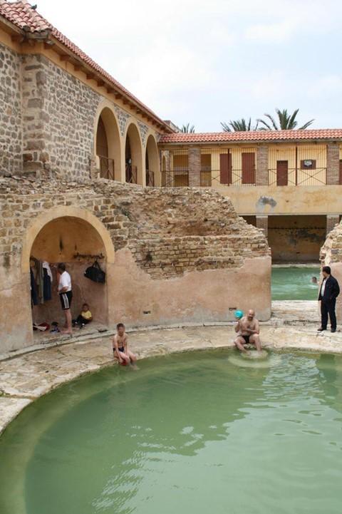 Nhà tắm 2.000 năm tuổi từ thời La Mã cổ đại vẫn hoạt động - Ảnh 8.