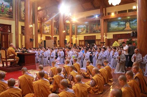 Nên khởi tố vụ án ở chùa Ba Vàng - Ảnh 1.