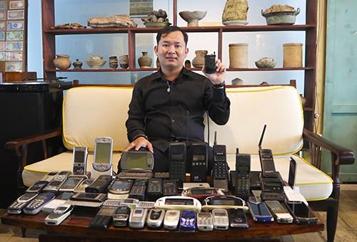 Người đam mê phục chế điện thoại cổ - Ảnh 1.