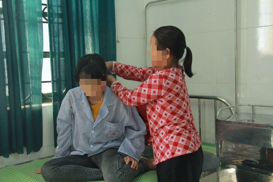 Vụ nữ sinh lớp 9 bị đánh dã man, lột đồ: Giáo viên chủ nhiệm nói thực hiện đúng trách nhiệm - Ảnh 1.