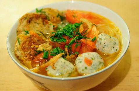 Những món ăn làm nên thương hiệu ẩm thực đất võ Bình Định - Ảnh 1.