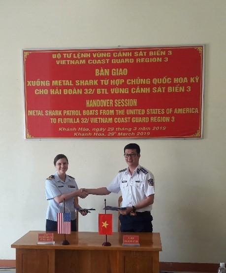 Mỹ chuyển giao 6 xuồng tuần tra Metal Shark cho Cảnh sát biển Việt Nam - Ảnh 1.