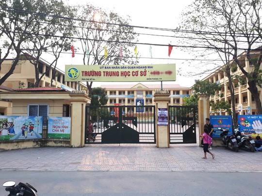 Bộ GD-ĐT vào cuộc vụ thầy giáo lạm dụng tình dục học sinh nam ở Hà Nội - Ảnh 1.