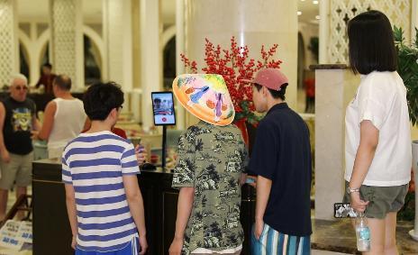 Vinpearl ứng dụng công nghệ nhận diện gương mặt trong dịch vụ du lịch khách sạn tại Việt Nam - Ảnh 2.