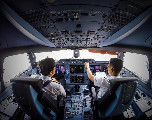 Công việc thầm lặng phía sau những chuyến bay