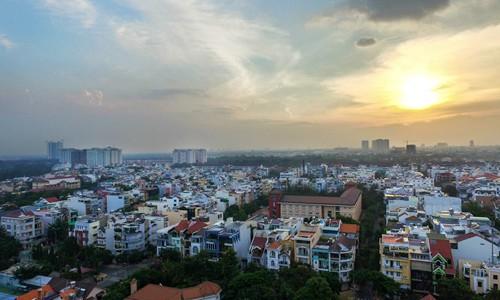 Giá nhà liền thổ TP HCM tăng gần 35% - Ảnh 1.