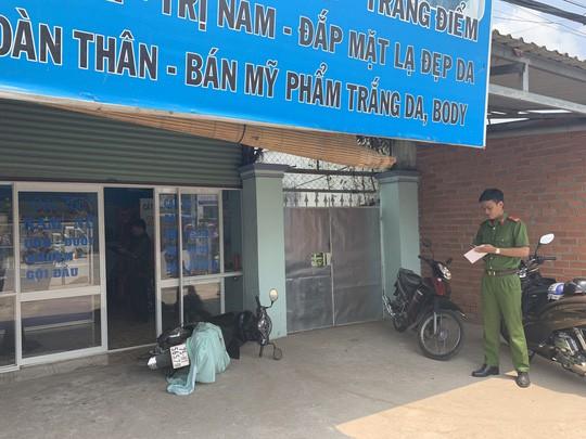 Binh Duong Mot phu nu bi cuop dam guc o tiem toc