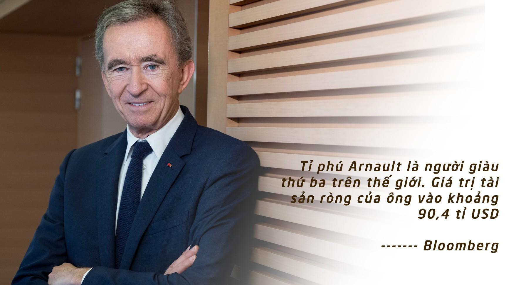 [eMagazine] Chân dung 2 tỉ phú Pháp quyên góp xây Nhà thờ Đức Bà Paris - Ảnh 2.