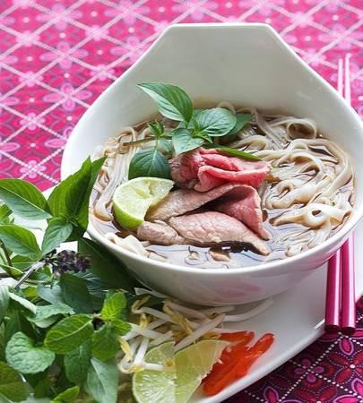 8 quán phở nổi bật nhất ở Việt Nam - Ảnh 2.