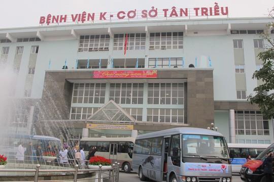 Một lãnh đạo khoa của Bệnh viện K bị tạm đình chỉ công tác - Ảnh 1.