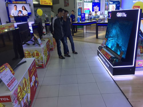 Tivi màn hình lớn mất giá nhanh