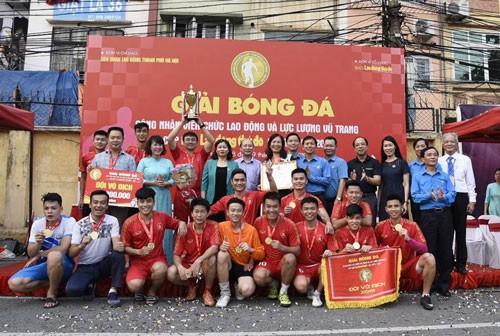 GIẢI BÓNG ĐÁ CÚP BÁO LAO ĐỘNG THỦ ĐÔ: Trường Đại học Thủy Lợi xuất sắc giành cúp vô địch - ảnh 1