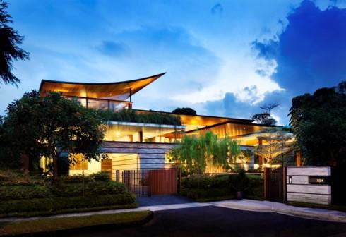Ngôi nhà xanh mướt với vườn trên mái - Ảnh 1.