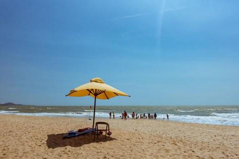 Nắng nóng, rủ nhau đi giải nhiệt tại các bãi biển đẹp phía Nam - Ảnh 1.