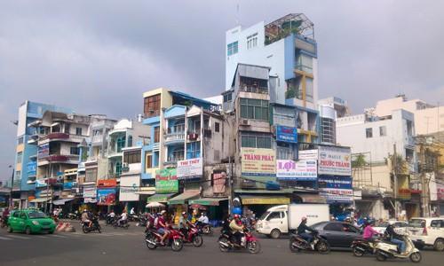 Giá thuê mặt bằng nhà phố tại TP HCM leo thang - Ảnh 1.
