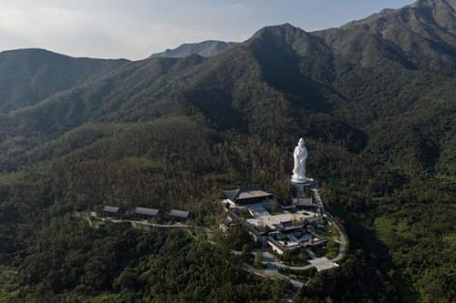 Người giàu nhất Hong Kong mở bảo tàng triệu đô miễn phí vào cửa - Ảnh 1.