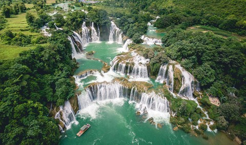 14 thác nước đẹp nhất thế giới, có 2 địa danh của Việt Nam - Ảnh 1.