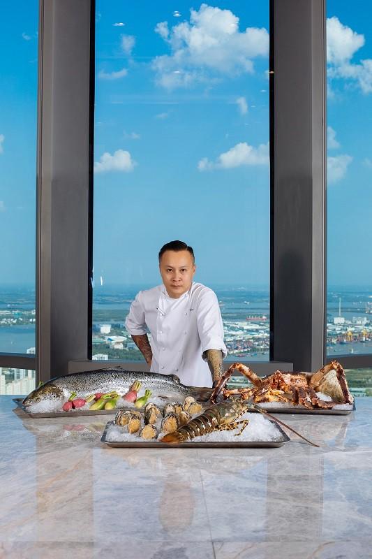 Có gì bên trong khách sạn siêu sang cao nhất Đông Nam Á? - Ảnh 6.