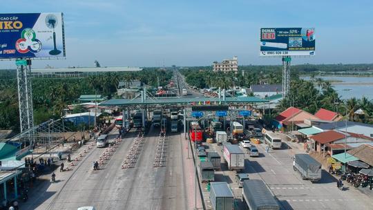 Bộ Giao thông Vận tải kiến nghị cho Trạm BOT Cai Lậy thu phí trở lại - Ảnh 1.