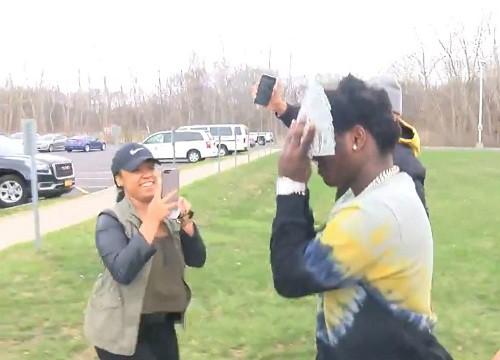 Kodak Black - rapper từng dùng tiền che mặt lại bị bắt - Ảnh 2.
