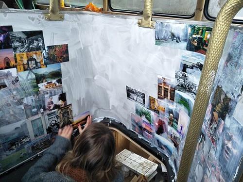 Tiệm bánh mì Việt trong xe buýt hai tầng ở Anh - Ảnh 6.